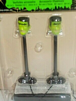 NEW LEMAX SPOOKY TOWN VILLAGE FRANKENSTEIN MONSTER LIGHTED LAMP POST SET OF 2 - Halloween Light Post Decorations
