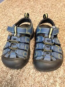 Children's sandals size 8