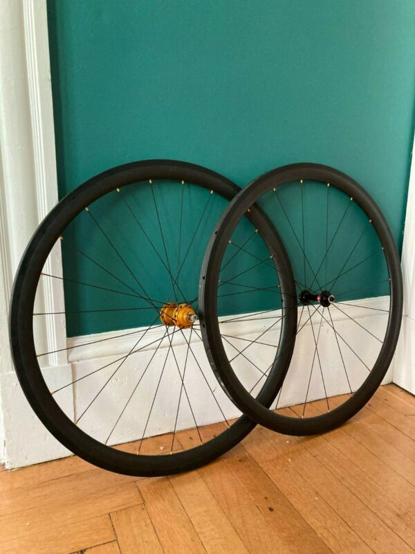 1127-gram Carbon Track Wheelset with Novatec/Mack Hubs and Conti GP4000SII