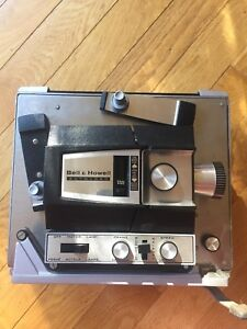 Vintage Bell Howell Autoload 8MM Super 8 m Movie Projector
