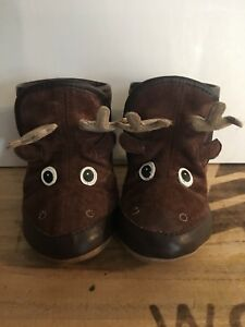 Adorable Robeez booties