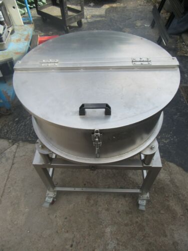"""STAINLESS STEEL HOPPER ON CASTERS W VIBERATION MOTOR / INDUCTION MOTOR 5"""" SHOOT"""