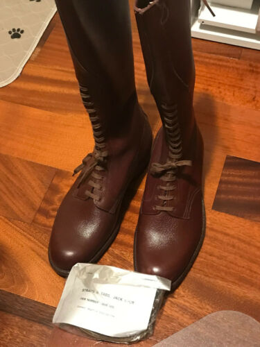 ORIGINAL VINTAGE OBSOLETE  RCMP HORSE AND MOTORBIKE RIDING BOOTS - NEW !