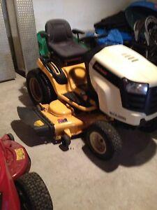 Cub cadet sltx 1050 riding lawnmower