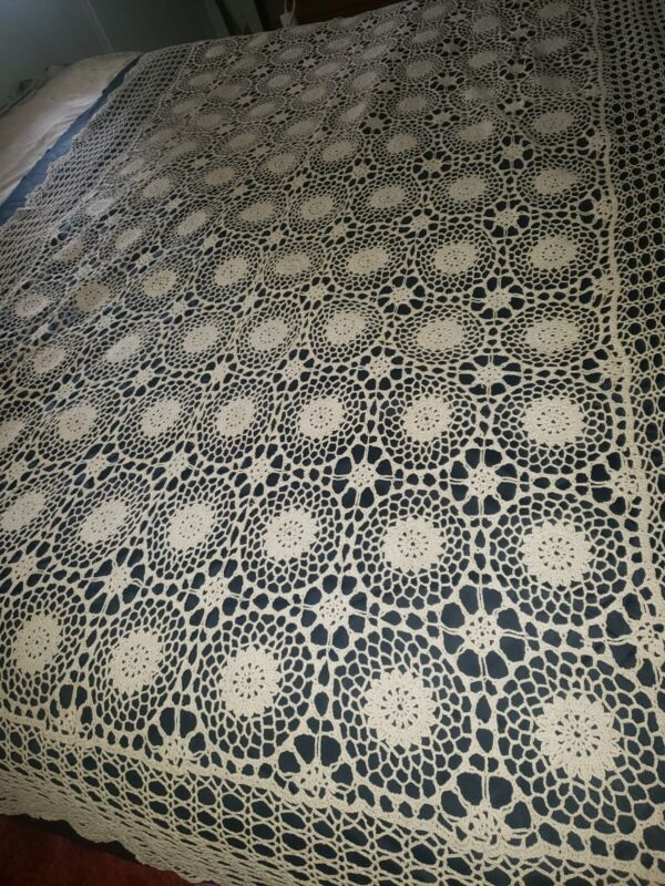 Vintage Beige hand Crochet Knit Lace Tablecloth Bedspread French Country Wedding