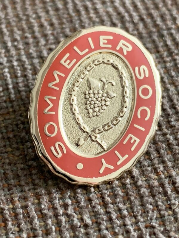 """New gorgeous 3/4"""" X 1/2"""" Oval Sommelier Lapel Pin Wine Oenophile Collector Somm"""