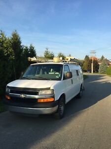 CARGO VAN Chevrolet express (like SAVANA) full Shelving inside