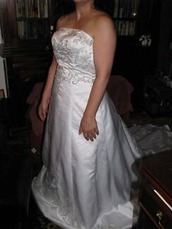 wedding dress stunning embroidered fitted bodice