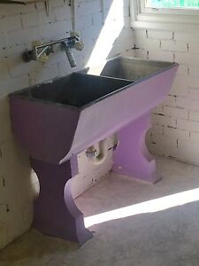 Quirky concrete laundry sink Waratah West Newcastle Area Preview