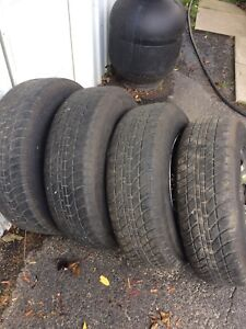 Factory jeep rims 215/75r15 very good shape