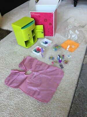 American Girl Doll Retired Salon Center Set.. GOOD FOR XMAS PRESENT ()