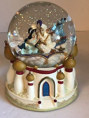 Disney Store Authentic Musical Snow Globe Aladdin Jasmine A WHOLE NEW WORLD