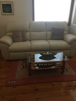 Lovely leather sofa for sale in Creme- Demir leather