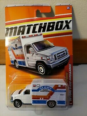 Matchbox '10 FORD E-350 Ambulance #54 New