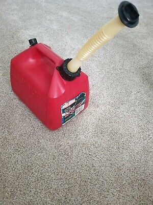 Rubbermaid 1.5 Gallon Vented Gas Fuel Can With Spout 1216 Usa Pre Ban