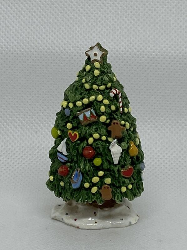 Wee Forest Folk A-11 Outdoor Christmas Tree by Annette Peterson 1985