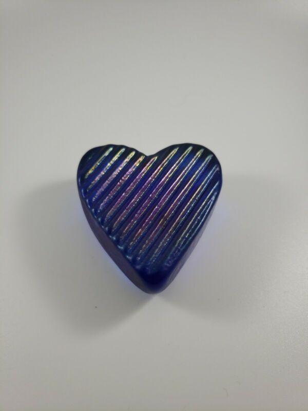 ROBERT HELD RHAG CANADA  BLUE IRIDESCENT GLASS HEART PAPERWEIGHT SIGNED & LABEL