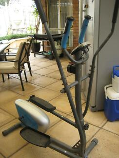 Elliptic Cross Trainer machine- works the full body Findon Charles Sturt Area Preview