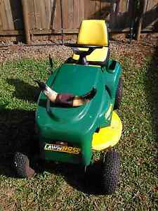 Cox lawn boss ride on mower Atherton Tablelands Preview