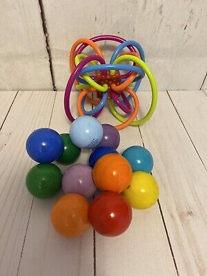 Manhattan Toy Co. Wooden Balls Clutch Baby Infant Sensory Toy And Winkel