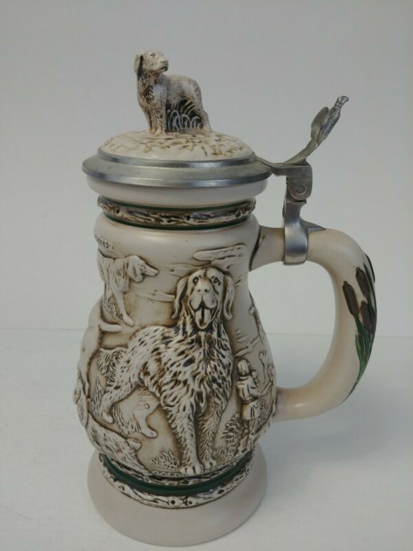 """Avon 1991 """"Great Dogs Of The Outdoors"""" Lidded Stein Labrador"""