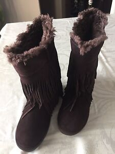 Woman Brown suede boots New