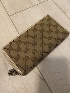 Gucci long wallet zip around