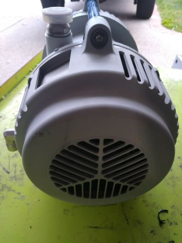 EDWARDS Xds5c Scroll vacuum pump  used working