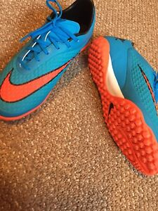 Indoor soccer shoes size 9.5