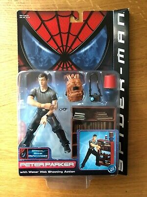 Spider Man Shooting Webs (Spider-Man Peter Parker Water Web Shooting Action Series 2 Marvel Toy Biz)