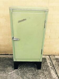 Antique Austral Lime Green Ice Chest Neath Cessnock Area Preview