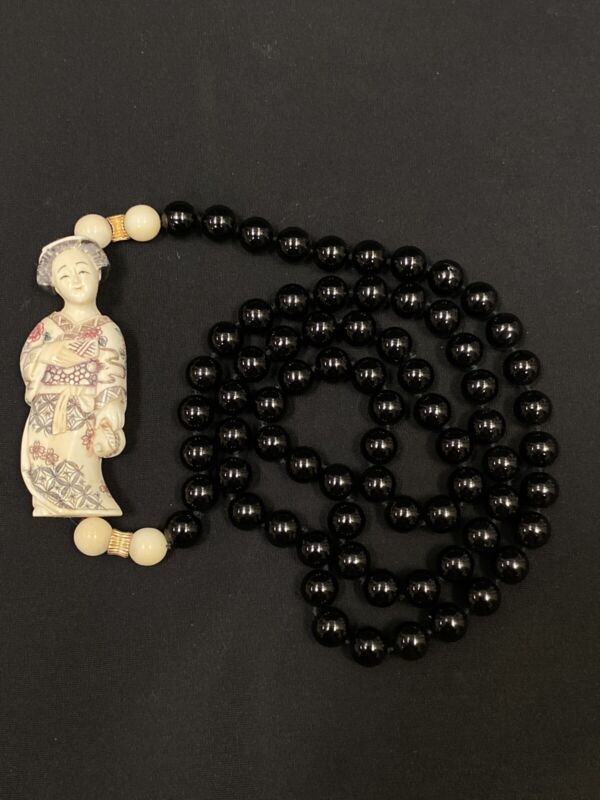Vintage Chinese/Japanese Black Onyx Beaded Necklace with Carved Geisha