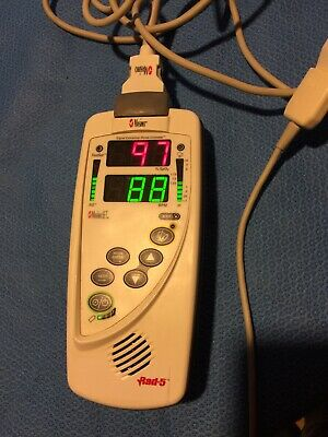 Masimo Rad5 Handheld Signal Extraction Pulse Oximeter Used With Finger Sensor