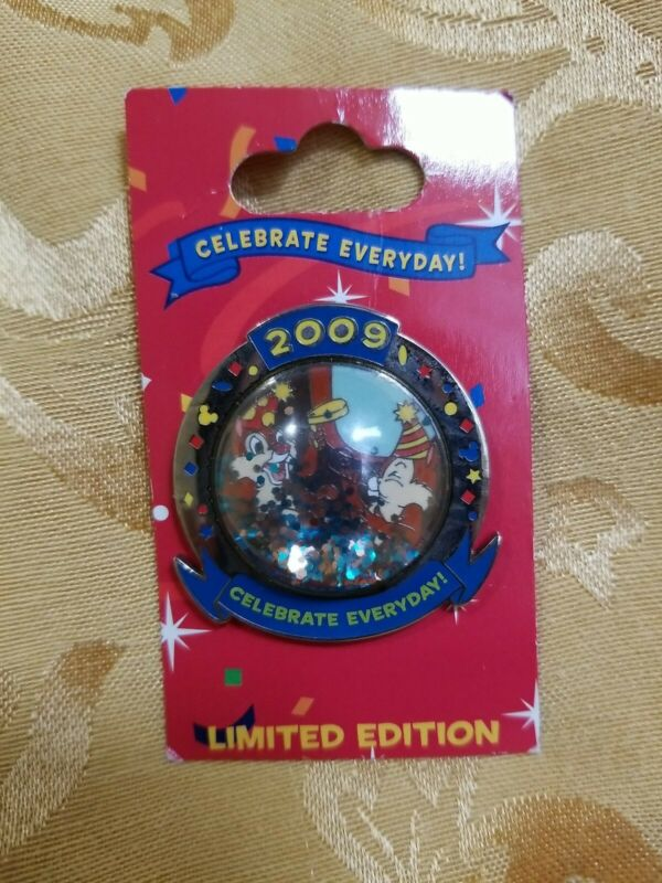 WDW DISNEY 2009 Celebrate Everyday! Chip & Dale PIN New on Card LE2000