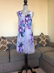 Women's white and purple floral scoop-neck sleeveless dress