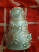 set of 3 trinket boxes in shape of wedding cake Kuraby Brisbane South West Preview