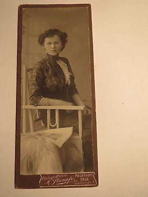 Neustadt Orla - sitzende junge Frau - Portrait / CDV