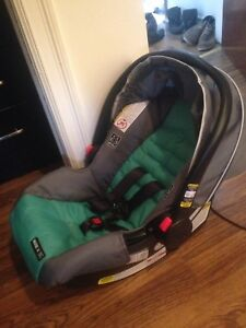 Graco click connect car seat BRAND NEW