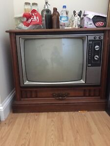 big antique tv