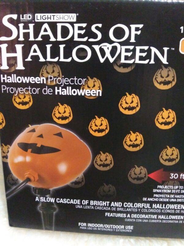 New Gemmy Lightshow Pumpkin LED Projector shade of halloween