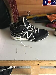 Men's perfect condition baseball cleats size 11.5 Windsor Region Ontario image 2