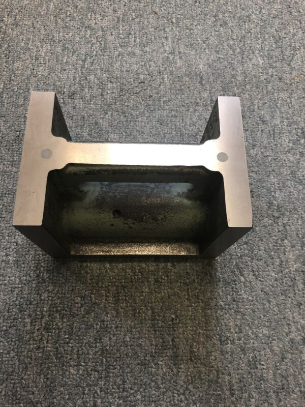 """Magnetic square Angle Iron   (6.4""""x4.2""""x4.7"""" - Approx Dims)"""
