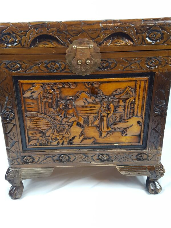 Beautiful Vintage Hand Carved Chinese Hope Chest Storage Chest Camphor