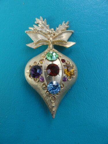 Vintage Gold Tone & Multi Color Crystal Rhinestone Christmas Ornament Pin Brooch