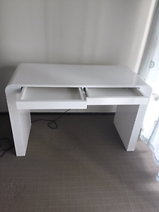 White Computer Table Glenfield Campbelltown Area Preview