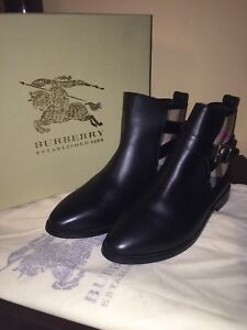 Burberry boots size 9 ankle