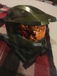 Halo Head and DVD storage case