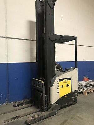 2006 Crown Electric Narrow Aisle Single Reach Forklift Wside Shift