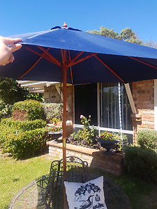 2x Outdoor umbrellas $25 each Ocean Reef Joondalup Area Preview