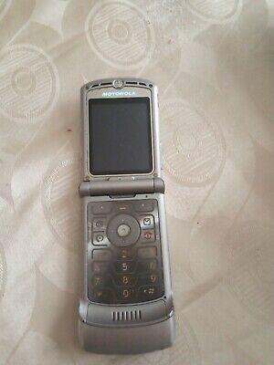 Motorola RAZR V3 - Silver Mobile Flip Phone